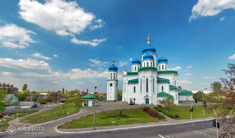 Troitskiy_sobor_na_troeshine_01-min